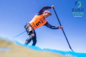 Michael Booth paddelt auf der Euro Tour