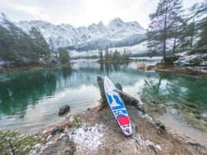 Thomas Pfannkuch mit dem Starboard SUP unterwegs am Eibsee